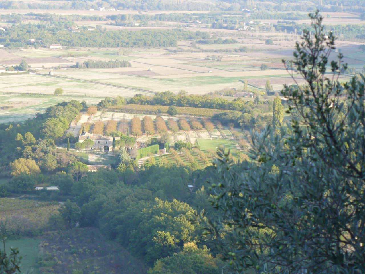 Farmer and cuntryside at the foot of Gordes