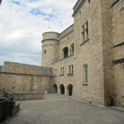 Le Barroux castle, view on the interior yard