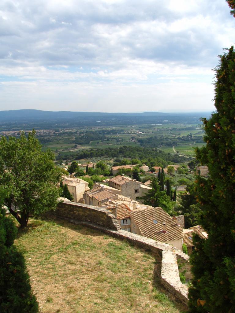 Le Barroux, vue sur le village depuis le château