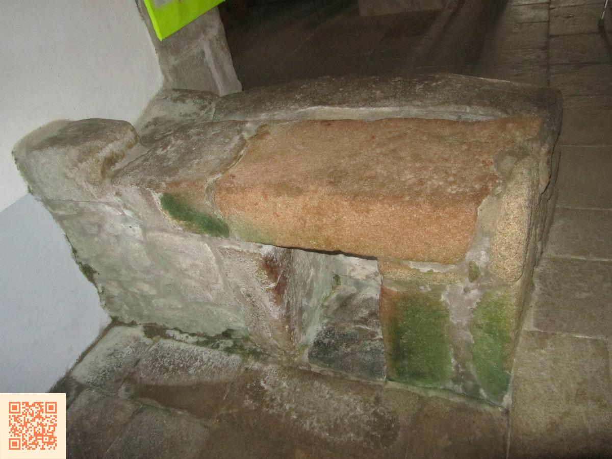 Lit de Saint Cado, chapelle