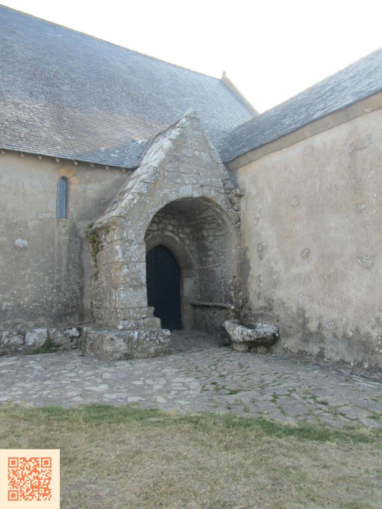 Porche de la chapelle